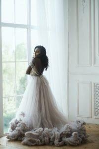 Confiez votre robe de mariée à Elsa Barois